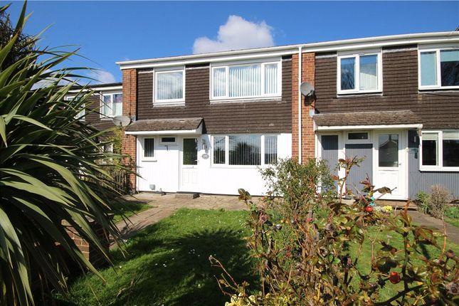 3 bed terraced house to rent in Selborne Avenue, Aldershot GU11