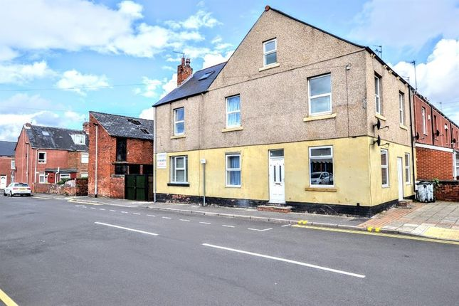 Thumbnail Flat for sale in Doncaster Road, Goldthorpe, Rotherham
