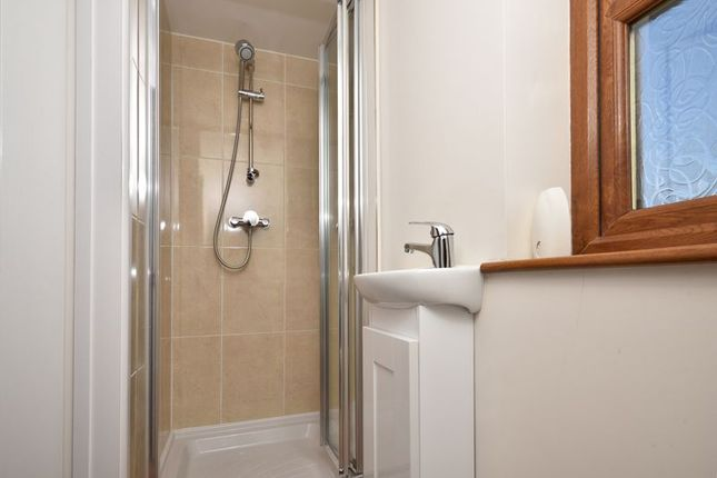 Shower Room of Berkeley Hill, Falmouth TR11