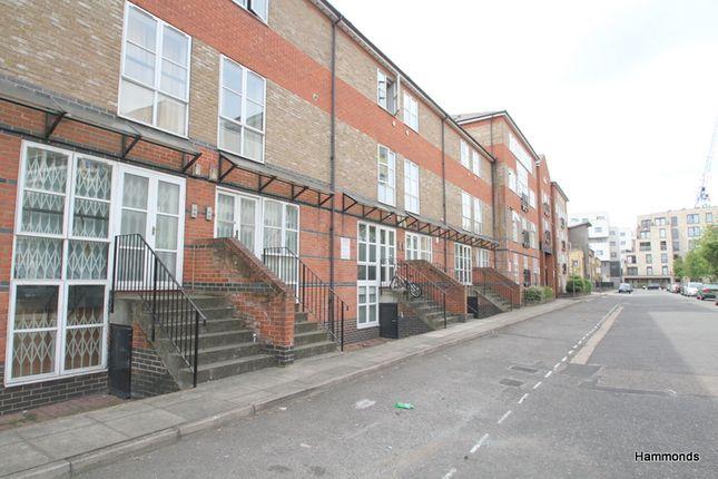 Thumbnail Flat for sale in Hawgood Street, London