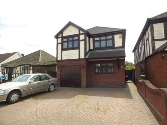 4 bed detached house for sale in Upminster Road North, Rainham