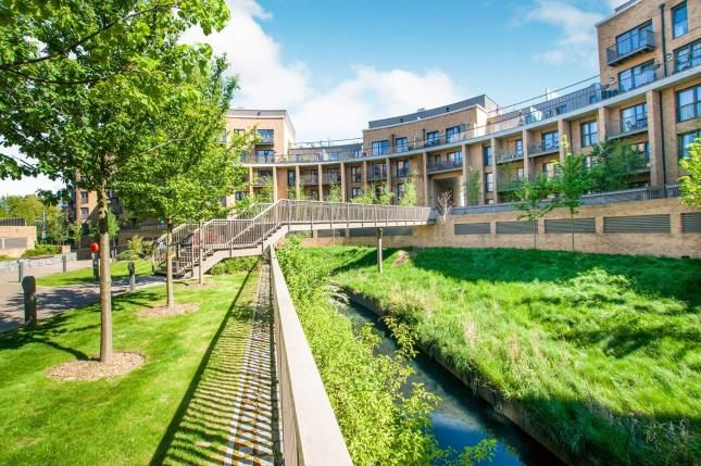 Flat for sale in Cabot Close, Croydon