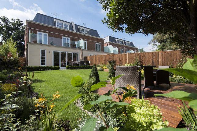 Thumbnail Property for sale in Queens Road, Weybridge