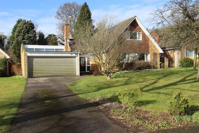 Thumbnail Detached house for sale in Wrensfield, Boxmoor, Hertfordshire