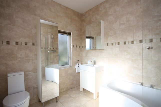 Well Lane, Rawdon, Leeds LS19, 6 bedroom detached house for sale - 47363688  | PrimeLocation