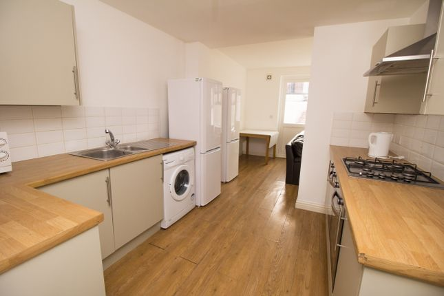 Thumbnail Terraced house to rent in St Pauls Road, Southsea