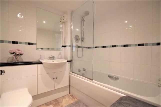 Bathroom of Smillie Court, Dundee DD3