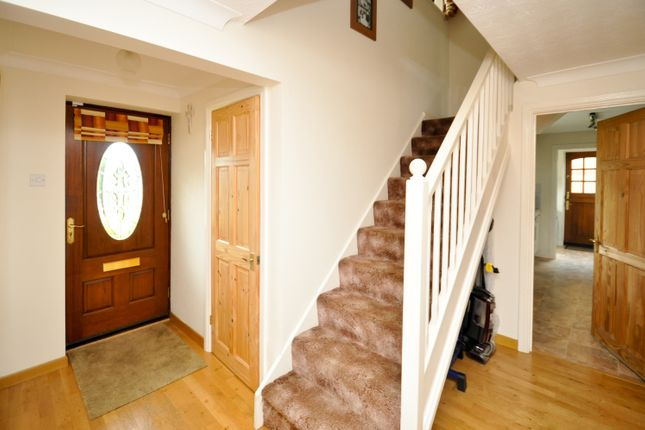 Entrance Hall of Forsythia Close, Bicester OX26