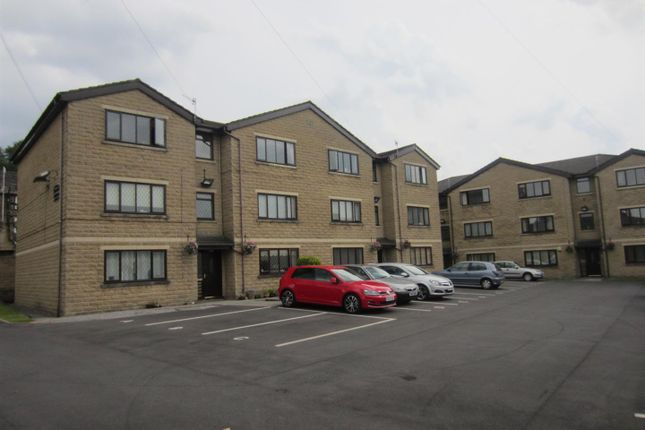 Thumbnail Flat to rent in Village Court, Whitworth, Rochdale