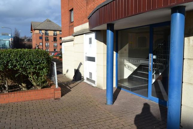 Thumbnail Flat to rent in 15, Blake Court Schooner Way, Cardiff Bay, Cardiff, South Wales