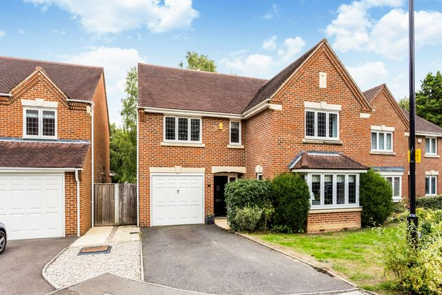 4 bed detached house to rent in Vicarage Close, Colgate, Horsham