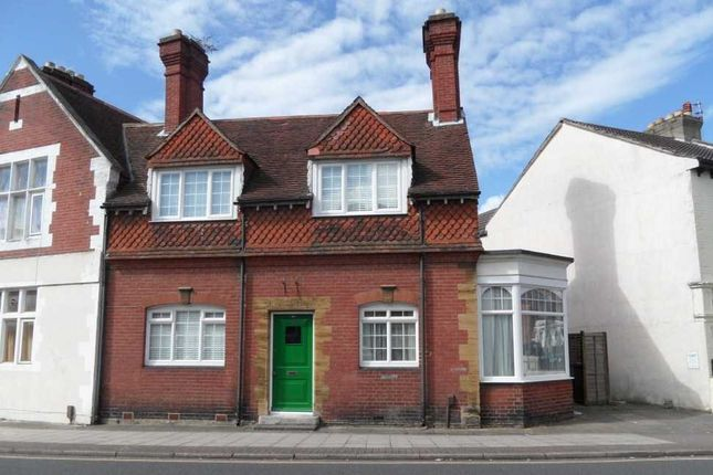 Thumbnail Semi-detached house to rent in Fawcett Road, Southsea
