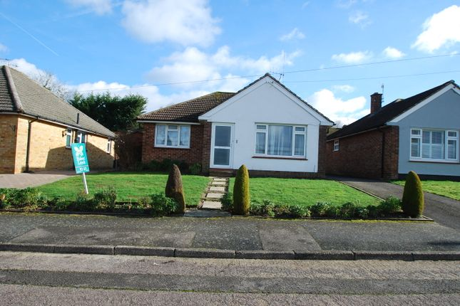 2 bed detached bungalow to rent in Dormans Close, Dormansland, Lingfield RH7