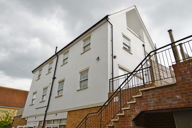 Thumbnail Flat to rent in Chapel Street, Petersfield
