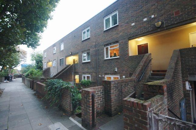 Thumbnail Flat for sale in Salisbury Walk, London