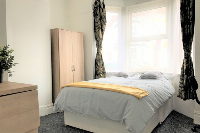 Room to rent in The Polygon, Southampton