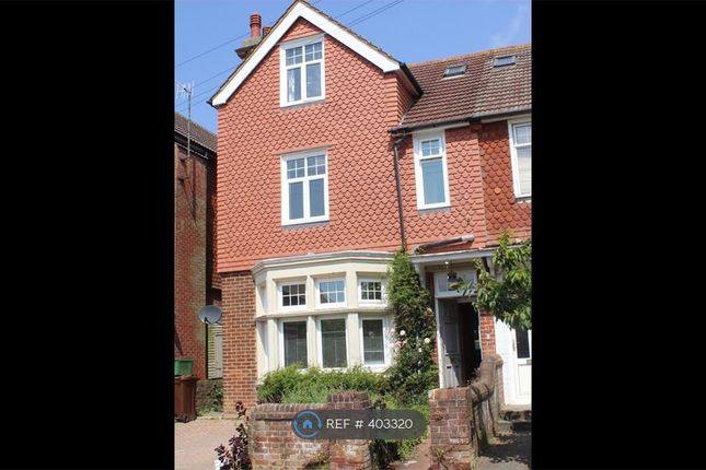 Thumbnail Detached house to rent in Vicarage Drive, Eastbourne