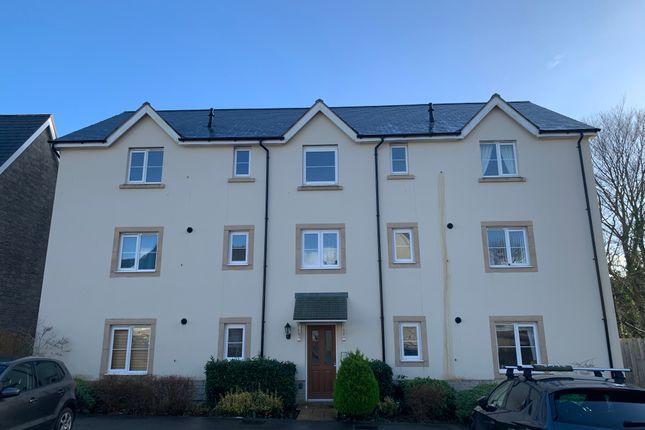 2 bed flat to rent in Trelowen Drive, Penryn TR10