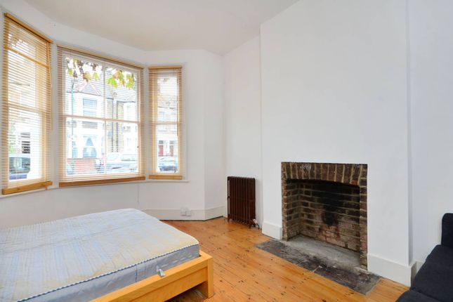 Thumbnail Flat to rent in Pember Road, Kensal Rise