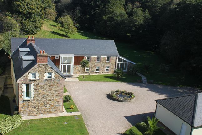 5 bed country house for sale in La Rue A La Dame, St Saviour