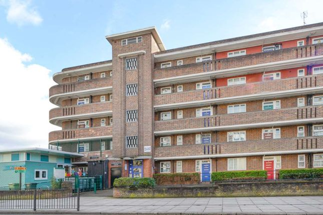 Thumbnail Flat for sale in Cassland Road, London