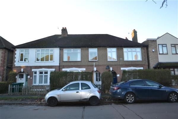 2 bed maisonette for sale in Penton Avenue, Staines
