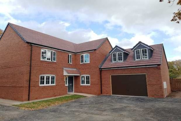Thumbnail Property to rent in Delves Crescent, Wood End, Atherstone