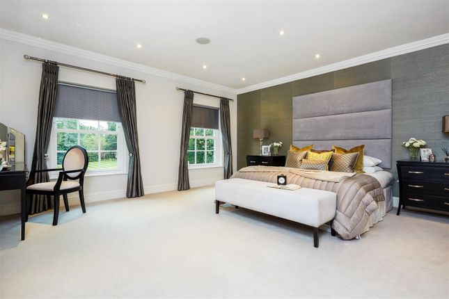 Master Bedroom of Woodland Way, Kingswood, Tadworth KT20