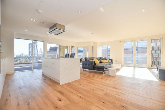 Thumbnail Flat to rent in Palace View, 1 Lambeth High Street, London