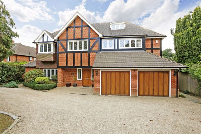 Thumbnail Detached house to rent in Walkwood End, Beaconsfield