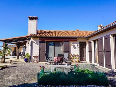 4 bed villa for sale in Bellegarde, Tarn, France