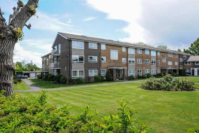 Thumbnail Flat to rent in Gleneagles, Stanmore