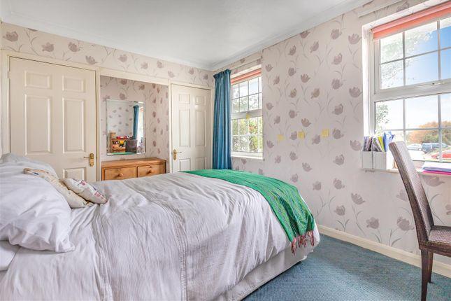 Bedroom 2 of Brighton Road, Lancing BN15