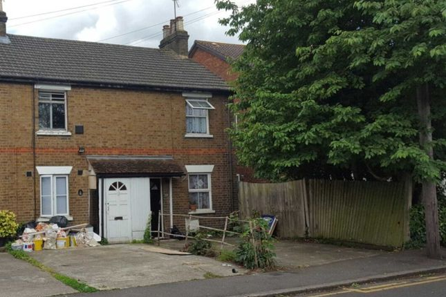 Thumbnail Studio to rent in New Road, Harlington, Hayes