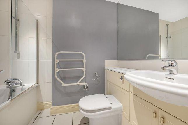 En Suite of Londinium Tower, 87 Mansell Street, London E1