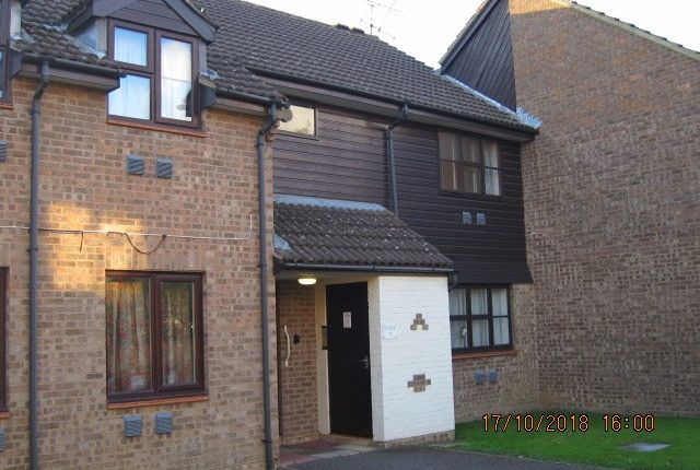 Thumbnail Flat to rent in Lindfield Drive, Hailsham