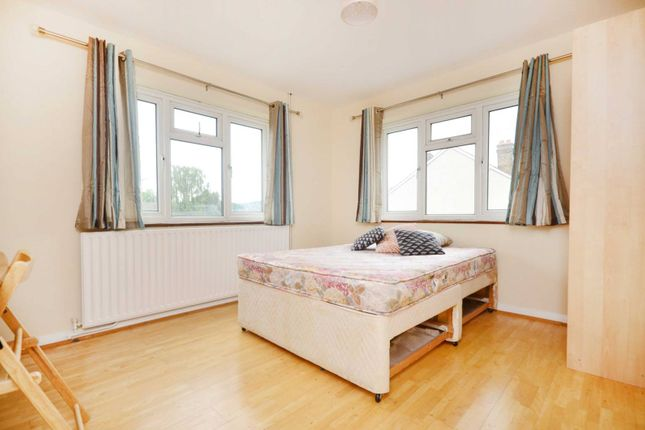 Thumbnail Flat to rent in Madrid Road, Guildford