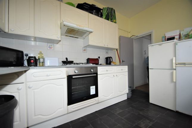 4 bed terraced house to rent in Fawcett Road, Southsea PO4