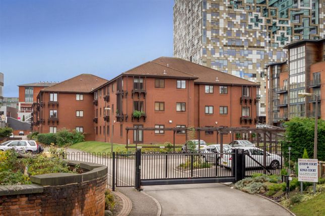 2 bed flat to rent in Bridge Street, Birmingham