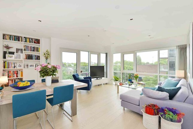 2 bed flat for sale in Skyline House, Dickens Yard, Ealing
