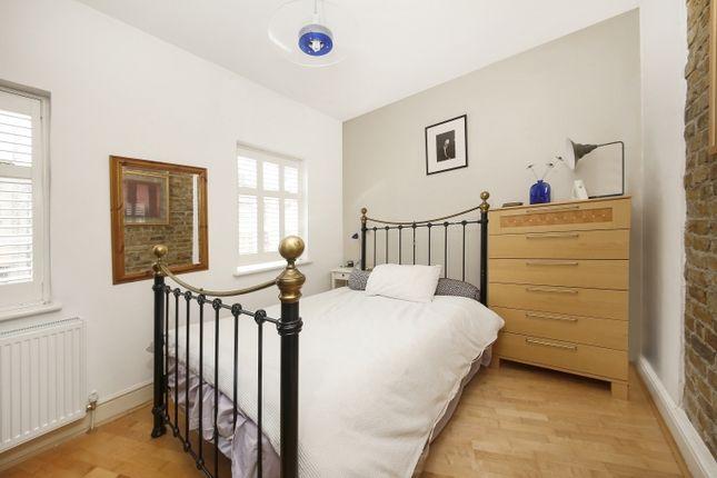 Bedroom of Wellington Gardens, London SE7