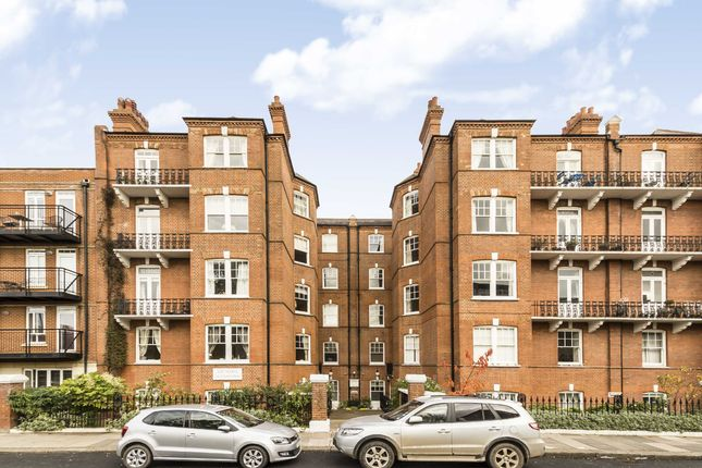 Thumbnail Flat to rent in Kelvedon Road, London