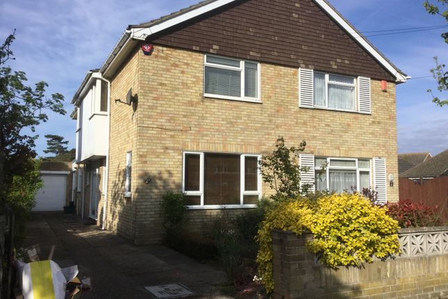 Thumbnail Semi-detached house to rent in Eastcliff Avenue, Clacton On Sea