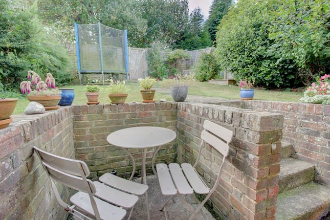Thumbnail Terraced house for sale in Motte Field, Hartfield