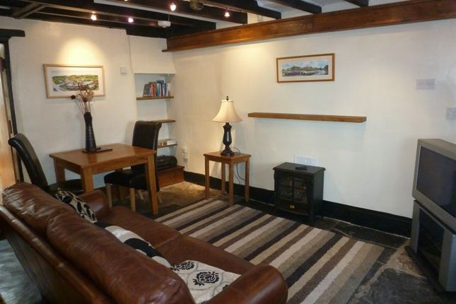 Thumbnail Cottage to rent in Castle Street, Llangollen, Denbighshire