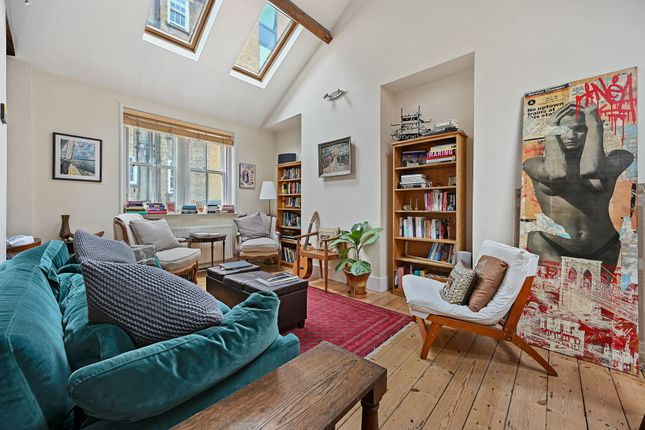 Flat to rent in Browning Mews, London