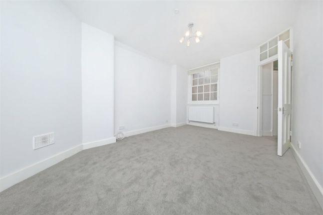 Thumbnail Flat to rent in Tavistock Place, London