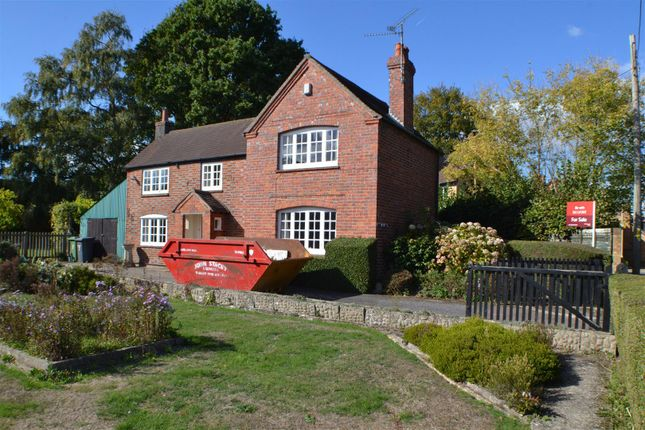 Thumbnail Detached house for sale in Newtown, Tadley