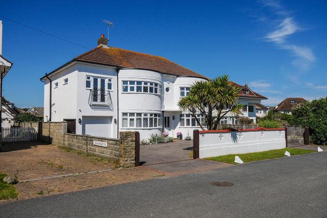 Thumbnail Detached house for sale in Southdean Drive, Middleton On Sea