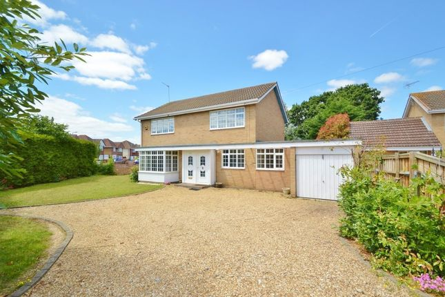 Thumbnail Detached house for sale in Kendrick Road, Langley